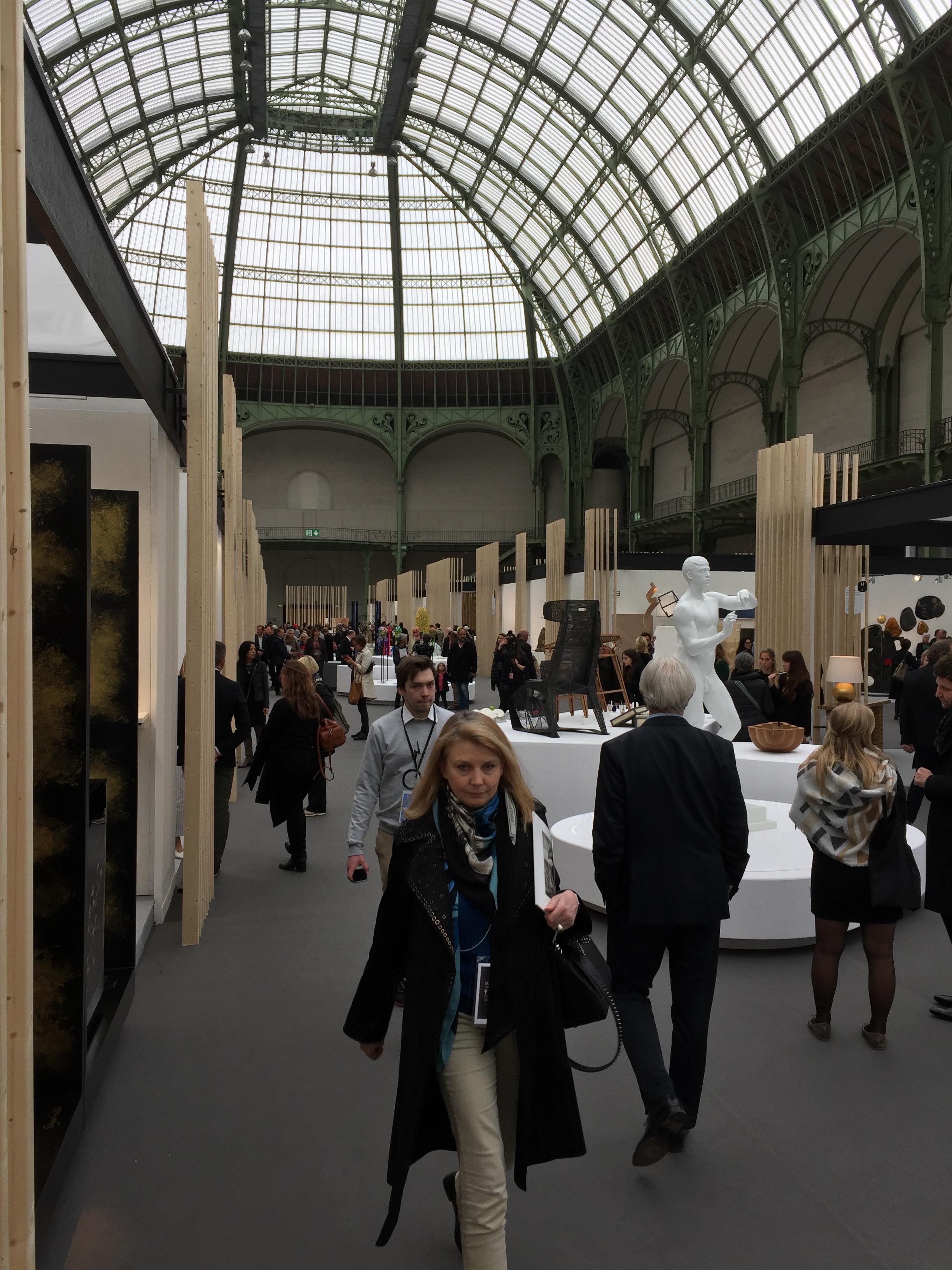 パリで開催されたサロン・レバラシオンの会場内の様子
