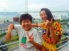 松田花さん(左) Sista-K(右)