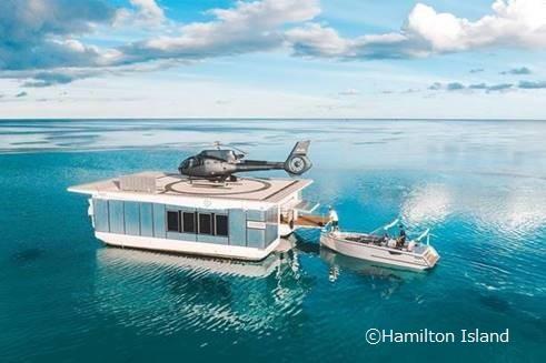 海に浮かぶヘリパッド
