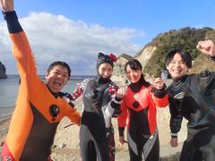 Kitty(左から2番目) 上村舞雪さん(右から2番目) かい(右)