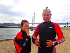真妃(左) 松尾新次さん(右)