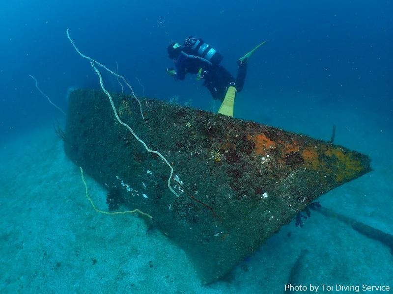 「沈船」というスポットには、たくさんの沈船が魚礁として沈められています